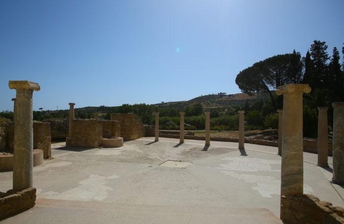 カザーレ荘の列柱