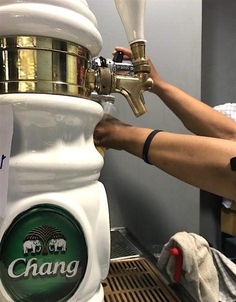 ラウンジの生ビール器