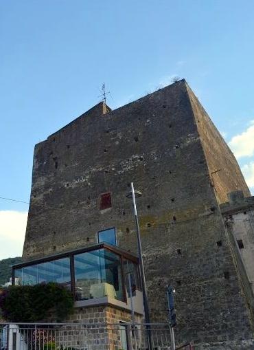 トッレ・デル・サラチーノの塔