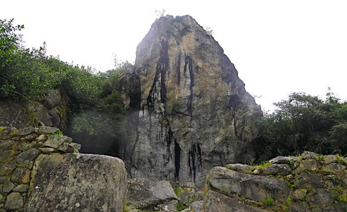 マチュピチュ遺跡への道にあるパワースポット