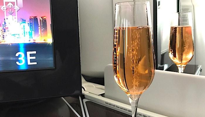 機内のシャンパン