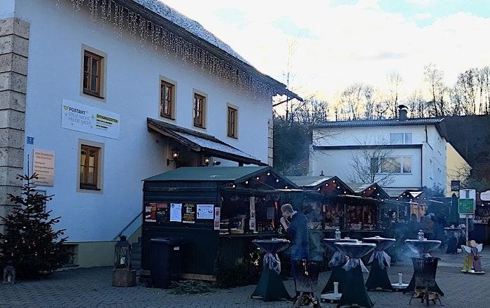 小さなクリスマスマーケットの画像