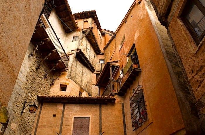 アルバラシンの家並みの画像