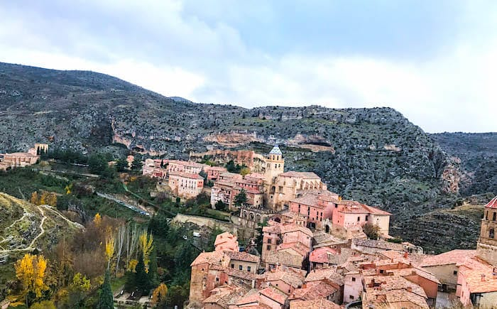 城壁近くから見下ろしたアルバラシンの画像