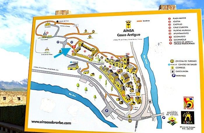 街のマップ看板の画像