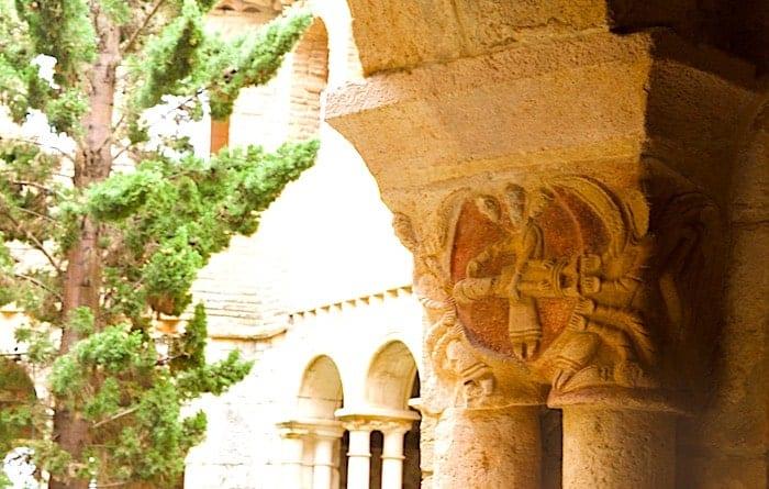 柱頭彫刻の画像