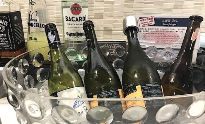 ラウンジのスパークリングワインの画像