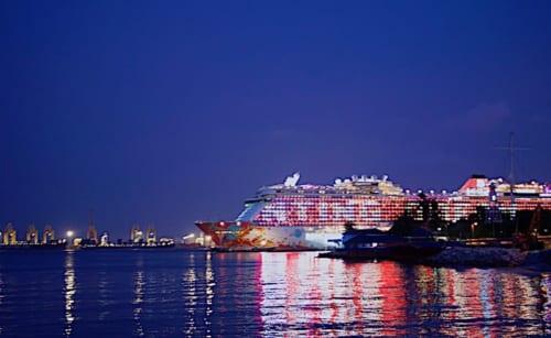 夜景のゲンティン ドリーム号の画像