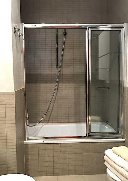 ガウディズネストのバスルーム画像