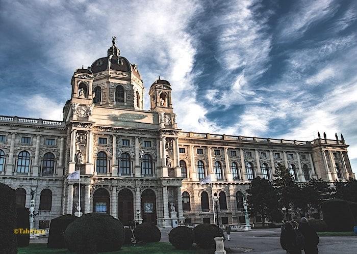ウィーン美術史美術館の外観画像