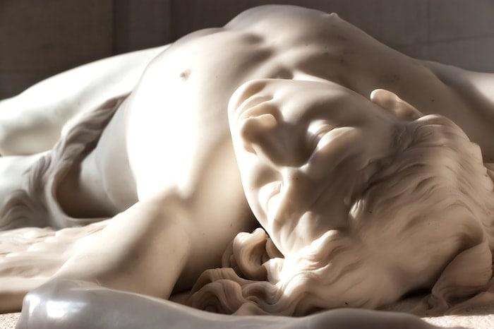 アベルの彫像の画像
