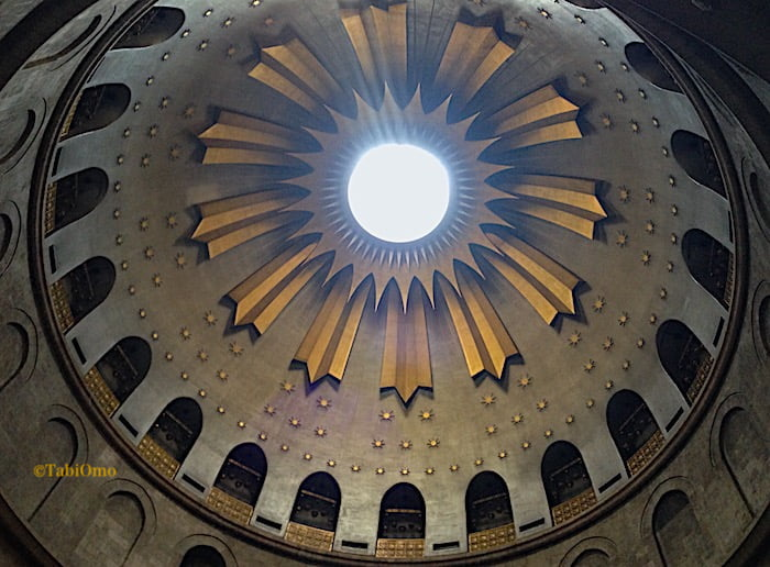 イエスの墓の上にあるドームの画像