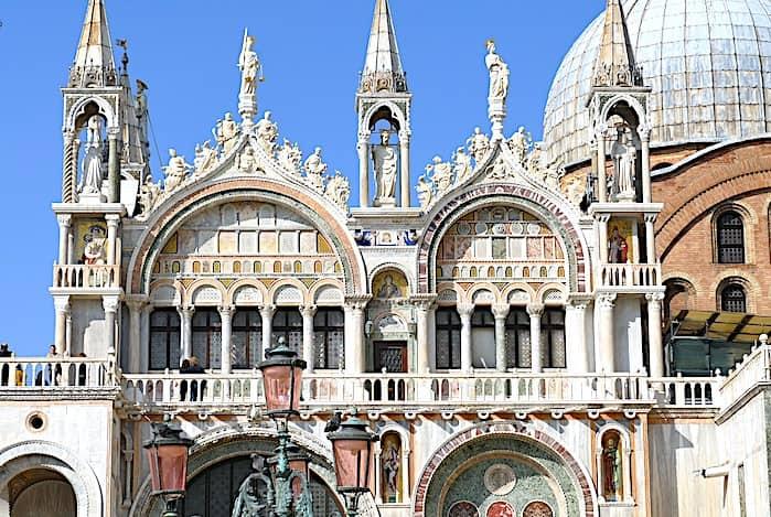 サン・マルコ寺院の外観の画像